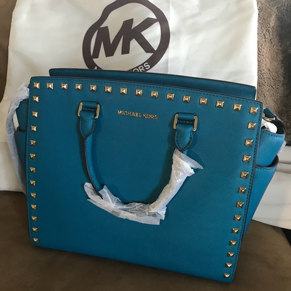 Michael Kors Handbags - NWT Michael Kors large studded Selma